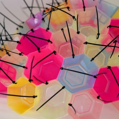installazione-luminosa-riciclo-creativo